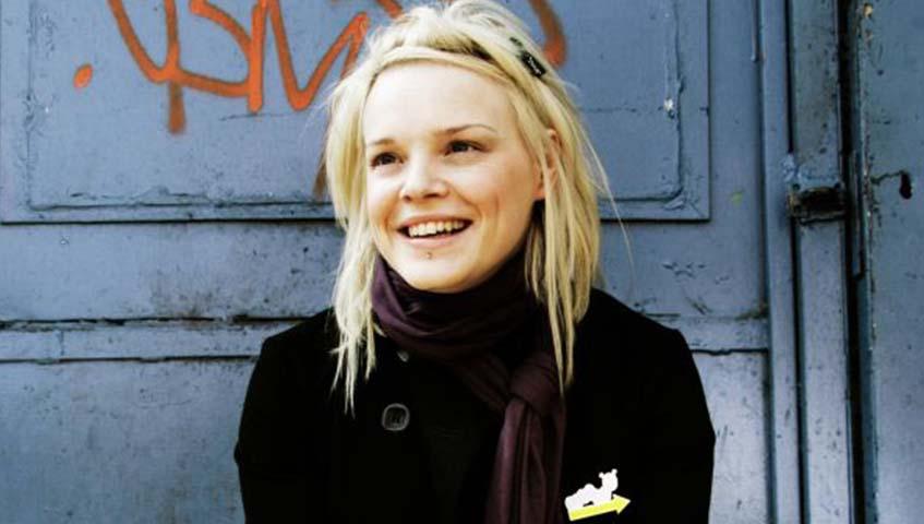 wallis-bird-smile