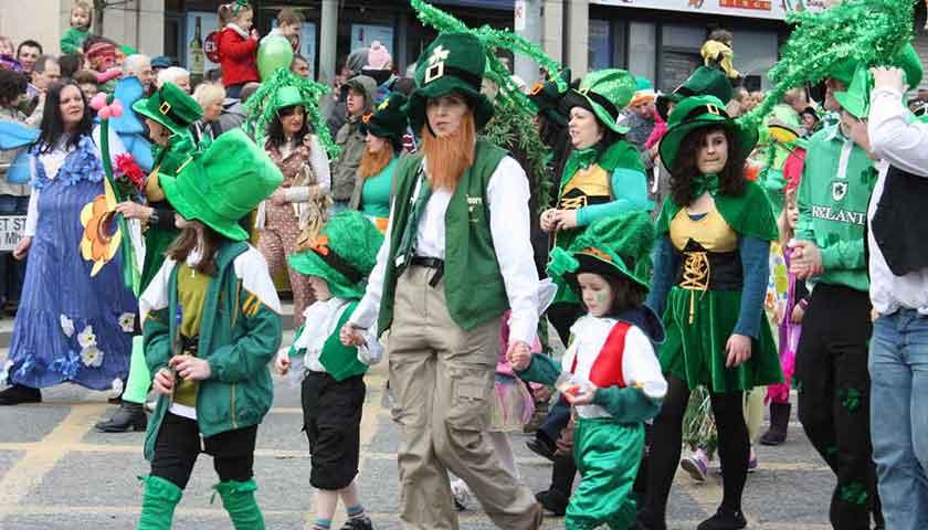"""เทศกาลประจำชาติชาวไอร์แลนด์ """"วันเซนต์แพทริก"""""""